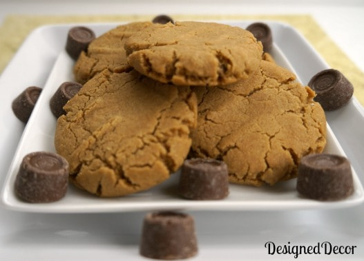 Tantalizing Tuesday - Peanut Butter Rolo Cookies! - Designed Decor